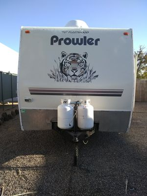 2005 Prowler 34 ft travel trailer with large slide Bunkhouse sleeps up to 10 for Sale in Phoenix, AZ