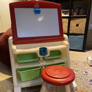 Step2 Flip and Doodle Desk with Stool Easel for Sale in Seattle, WA