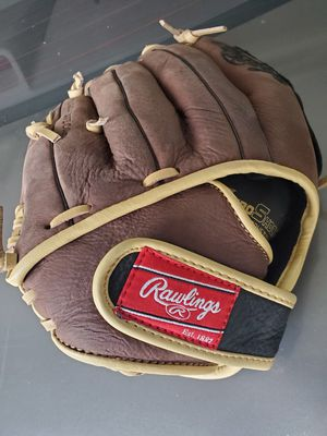 Rawlings- baseball glove for Sale in Vista, CA