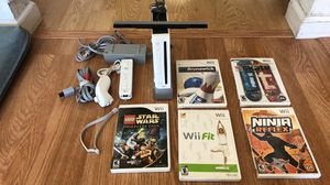 Wii game console with 5 games for Sale in Union City, CA