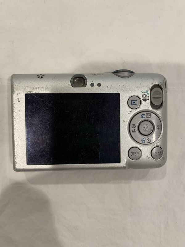 Canon 10 mega pixel digital camera with charging kit.