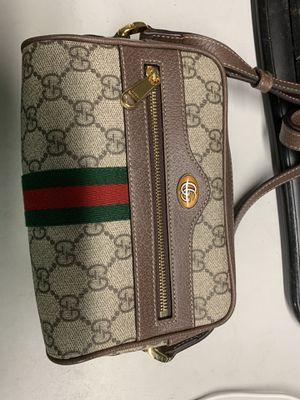 Gucci crossbody bag for Sale in Maitland, FL