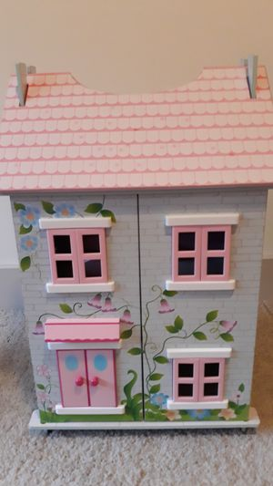 Charming dollhouse for Sale in Rockville, MD