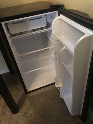 Mini Refrigerator Black for Sale in Orlando, FL