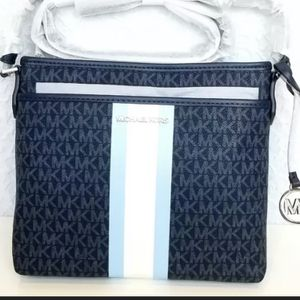 NWT MICHAEL KORS BEDFORD SMALL LOGO STRIPE CROSSBODY BAG for Sale in Miami, FL