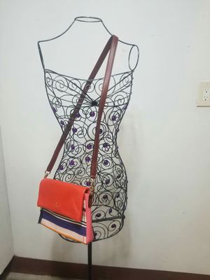 Authentic Kate Spade crossbody purse for Sale in Lincoln Acres, CA