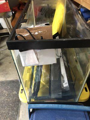 35 gallon fish tank with all accessories for Sale in Virginia Beach, VA