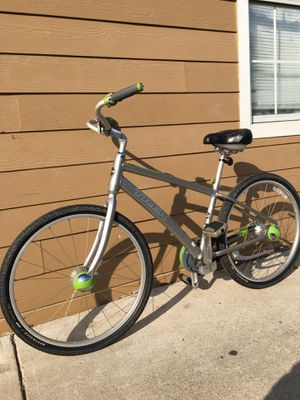 Bisicleta de aluminum trek lime sz 26 for Sale in Dallas, TX
