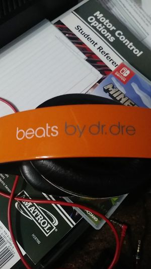 Beats By dr. dre for Sale in Elk Grove Village, IL