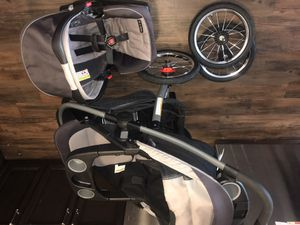 Graco jogger with 2 spare tires and car mirror to see baby for Sale in Wyandanch, NY