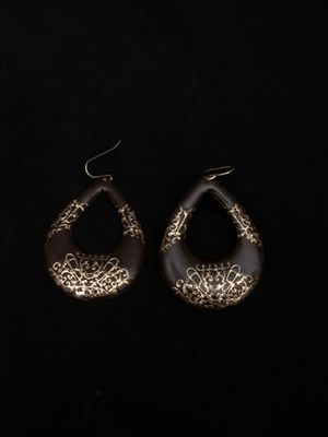 Stylish Dangle Earrings for Sale in Tacoma, WA