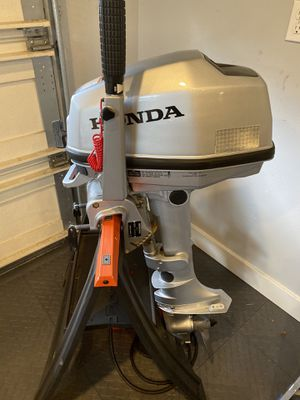 Honda BF5A 5 HP Gas Powered Outboard Motor for Sale in Seattle, WA