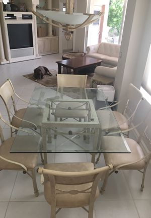 Kitchen Table & Bar Stool set for Sale in Boca Raton, FL