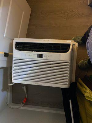 Frigidaire 8,000 BTU window AC unit for Sale in South Norfolk, VA