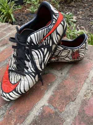Nike men size 9 cleats hypervenom for Sale in Millersville, MD