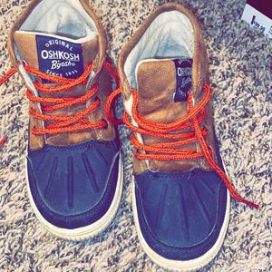 OshKosh Toddler Boots Size 12 for Sale in Oklahoma City, OK
