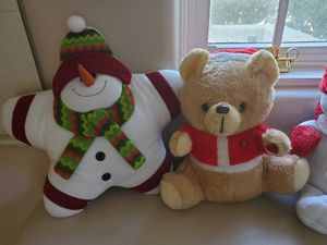 4 stuffed Christmas toys for Sale in Upland, CA