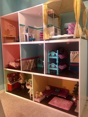 American Girl Dollhouse or Our Generation for Sale in Tampa, FL