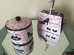 Shabby Chic Cottonball Holder and Lotion Pump for Sale in Elk Grove, CA