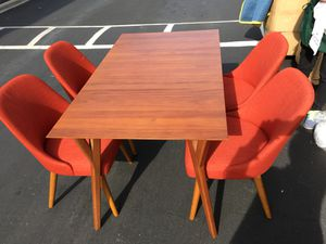 Dining table with chair for Sale in Santa Ana, CA