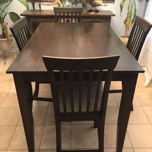 Tall Dining Table Set (table Extends) for Sale in Visalia, CA