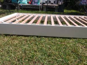 Twin platform bed for Sale in Mesquite, TX