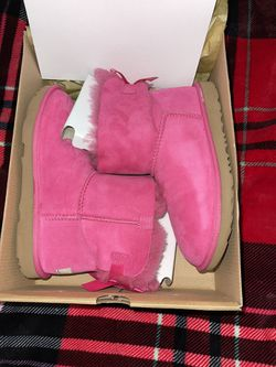 UGG Girls' Bailey Bow (BRAND NEW) for Sale in San Pablo,  CA