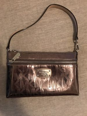 Michael kors wristlet for Sale in Pittsburgh, PA