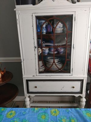 Antique china cabinet. for Sale in Lyman, SC