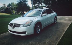 nissan altima 2008 clean inside for Sale in Portland, OR