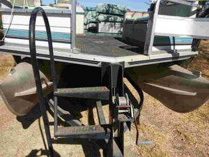 1997 Suntracker 21 ft party bardge for Sale in Modesto, CA