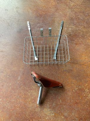 Brooks saddle and wald basket for Sale in Puyallup, WA