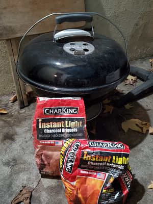 "Weber 18"" Jumbo Joe charcoal grille for Sale in La Habra Heights, CA"