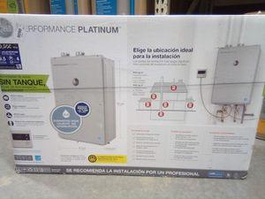 Rheen tankless water heater for Sale in Santa Cruz, CA