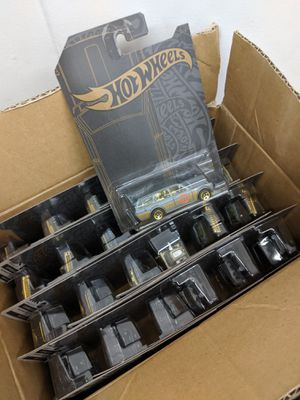 Hot wheels case 24 qty for Sale in Los Angeles, CA