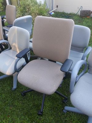 TEN MATCHING ADJUSTABLE OFFICE CHAIRS for Sale in Tampa, FL