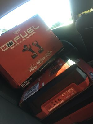Milwaukee fuel drill set for Sale in Tallahassee, FL