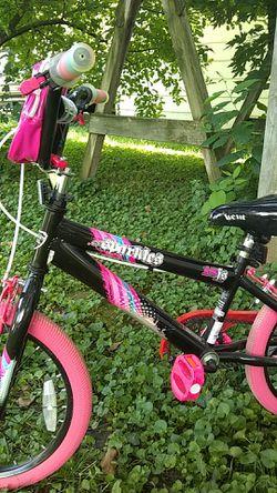 "Girls 18"" bike, training wheels and pegs. Like new for Sale in Moweaqua,  IL"