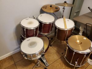 Drum set 6 Piece Yamaha with Cymbals for Sale in Glendale, AZ