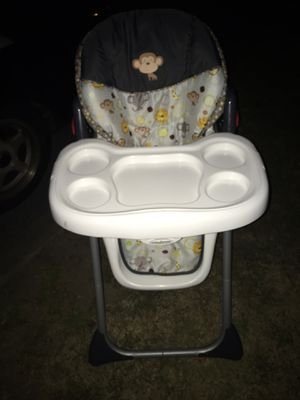 Nice adjustable hi chair only 35 Firm for Sale in Severn, MD