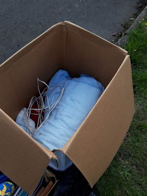 Blankets free for Sale in Portland, OR