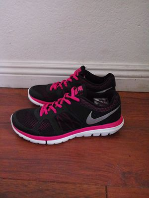 Nike Shoes Size 8 Women $38 OBO for Sale in Del Sur, CA