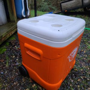 Beavers IGLOO Cooler for Sale in Damascus, OR