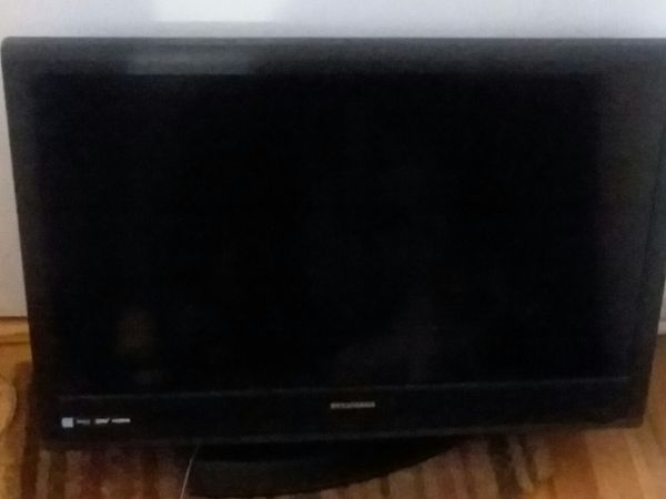 """28""""Sylvania HDTV, LED Flat Screen with stand and remote"""