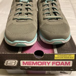 BEST OFFER !! WAS $79!! BRAND NEW NEVER WORN SKETCHES MEMORY FOAM SLIP ON SNEAKERS FANTASTIC ARCH SUPPORTS for Sale in Providence, RI