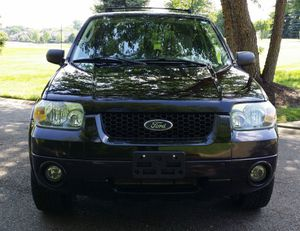 Clean Carfax Ford Escape Limited! for Sale in Wichita, KS