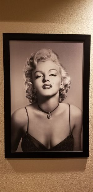 Marilyn Monroe picture frame 28x40 for Sale in Clayton, CA