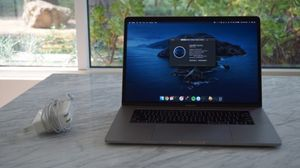 2017 Macbook Pro 15-inch for Sale in Los Angeles, CA