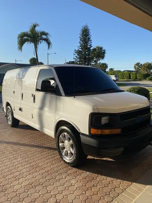 2014 Chevy express cargo van 1500 for Sale in Boca Raton, FL