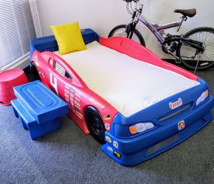 RAICING CAR BED for Sale in Las Vegas, NV